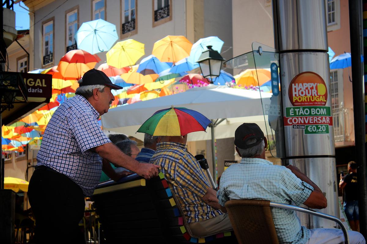 parapluies multicolores ciel chapeu cores umbrellas agueda aveiro portugal rocha