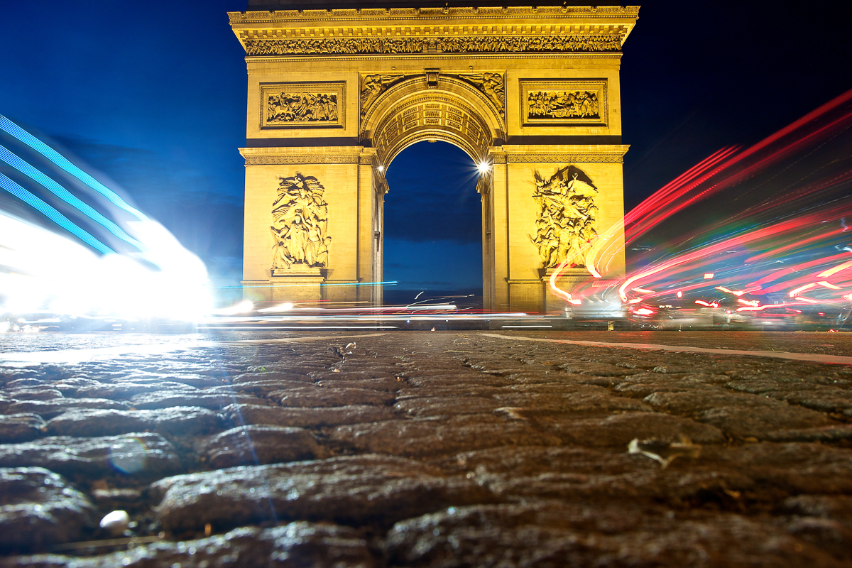 Arc de triomphe paris champs elysees bleu blanc rouge lumieres